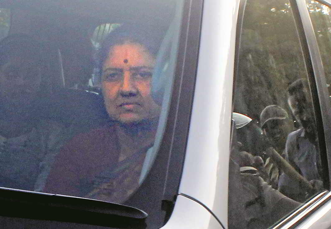 Sasikala arrives at the Parappana Agrahara prison in Bengaluru. She failed in her attempt to become CM. Photo: UNI