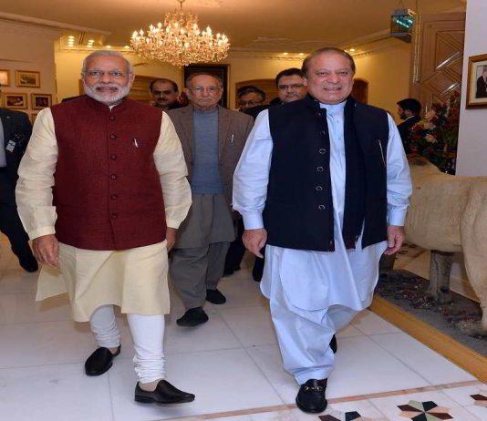 Prime Minister Narendra Modi meeting the Prime Minister of Pakistan Nawaz Sharif, at Raiwind, in Pakistan on December 25, 2015. Photo: PIB