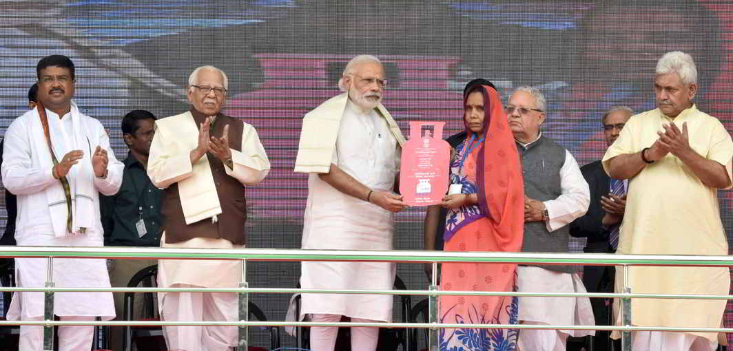 Modi lays much emphasis on welfare schemes for the poor like Pradhan Mantri Ujjwala Yojana. Photo: PIB