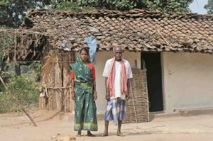 An Adivasi couple in Chhattisgarh. Photo: wikimedia.org