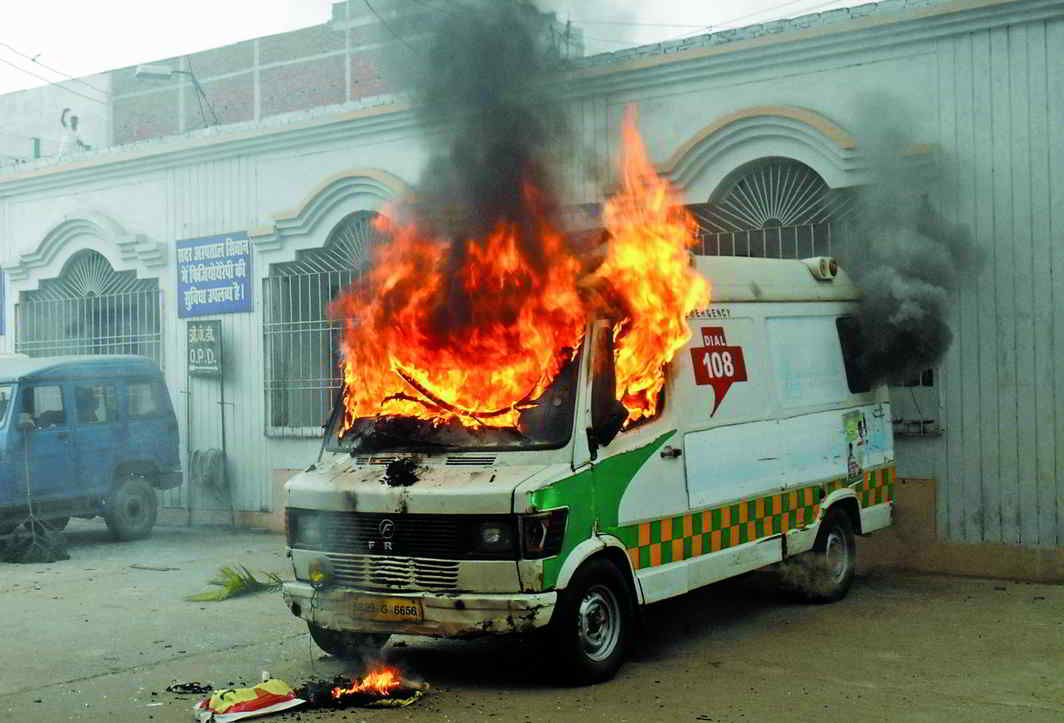 An ambulance torched during a mob attack on a hospital in Siwan, Bihar. Photo: UNI