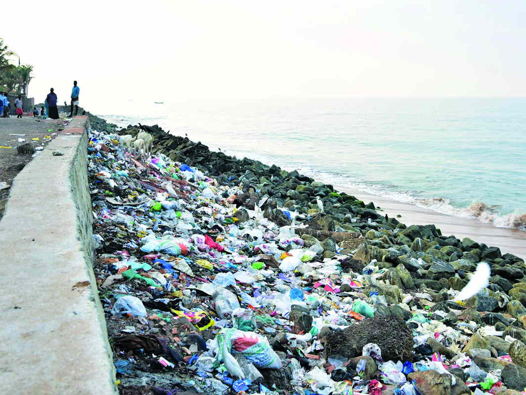 Beemapally Beach in Thiruvananthapuram littered with garbage, despite a drive to keep it clean. Photo: UNI