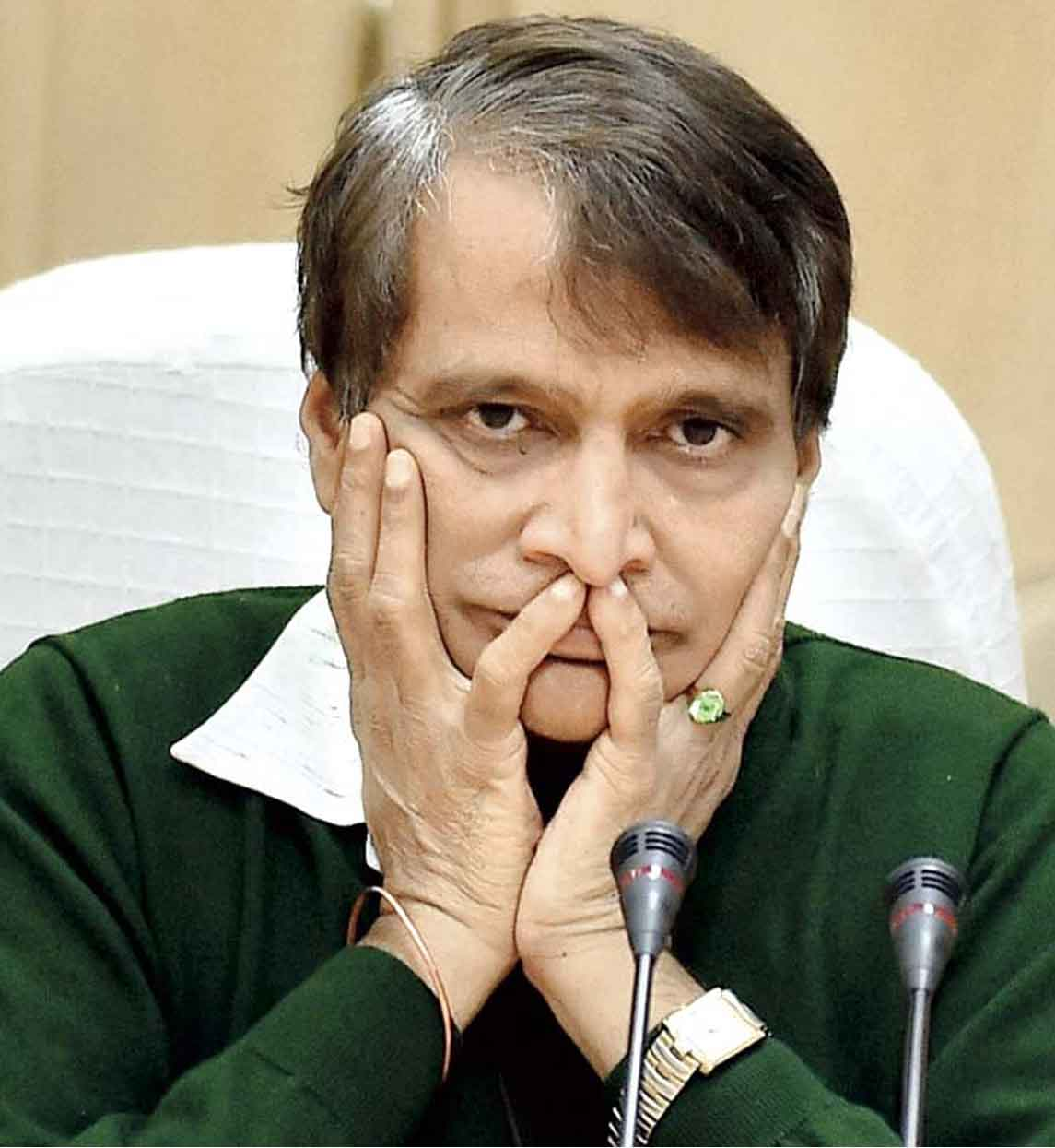 Suresh Prabhu offers to quit, post train accidents