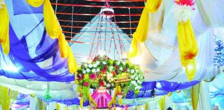 Devotees attend mass on the eve of Christmas in Ranchi, Jharkhand. Photo: UNI