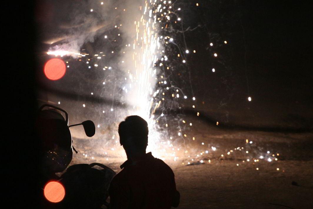 SC bans sale of firecrackers in Delhi NCR ahead of Diwali