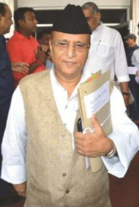 Samajwadi Party leader Azam Khan tendered an apology after a petition was filed against his comments. Photo: UNI