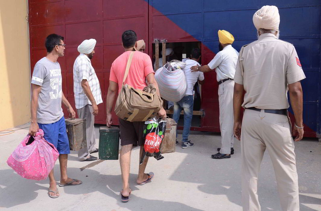 Prisoners being shifted to a newly constructed jail complex. India has close to three lakh undertrials. Photo: UNI