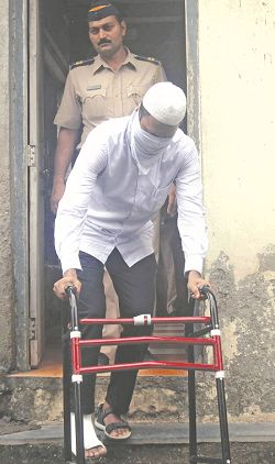An accused in the Aurangabad arms haul case being produced in the MCOCA court in Mumbai. Photo: UNI