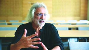 Anand Patwardhan earlier won a court battle with Doordarshan. Photo: countercurrents.org