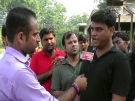 A TV grab of Barun Thakur, father of Pradyuman Thakur