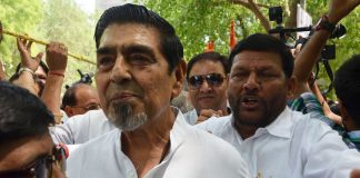 Congress leader Jagdish Tytler being taken into police custody during Loktantra Bachao March of Congress party, in New Delhi (file picture). Photo: UNI