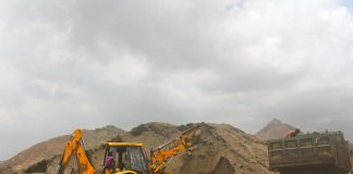 Sand mining (representative image)/Photo Courtesy Wikimedia