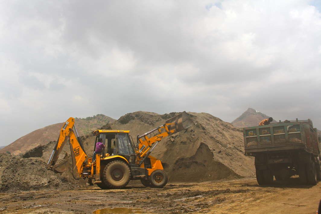 Sand mining (representative image)/Photo Courtesy Wikimedia