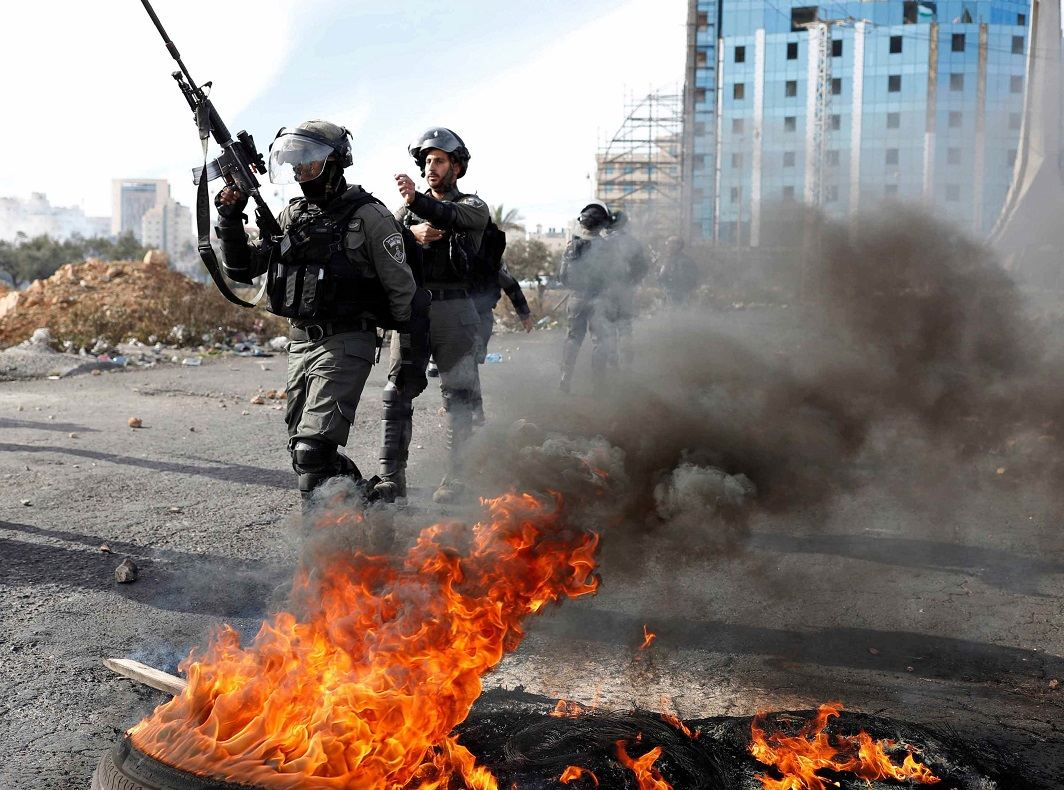 Israeli police face attacks from Palestinian militants. Photo: UNI