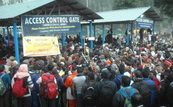 Pilgrims waiting to undertake the holy Amarnath cave shrine Yatra. Photo: UNI