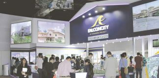 Exhibitors at the third edition of the Dubai Property Show in Mumbai/Photo Courtesy: Magicbricks