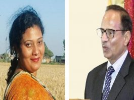 Rachna Khaira's (left) report on the UIDAI data breach shook the government but her editor Harish Khare supported her