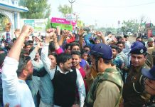 Jat protesters blocking a road demanding reservation in government jobs in Ambala. Photo: UNI