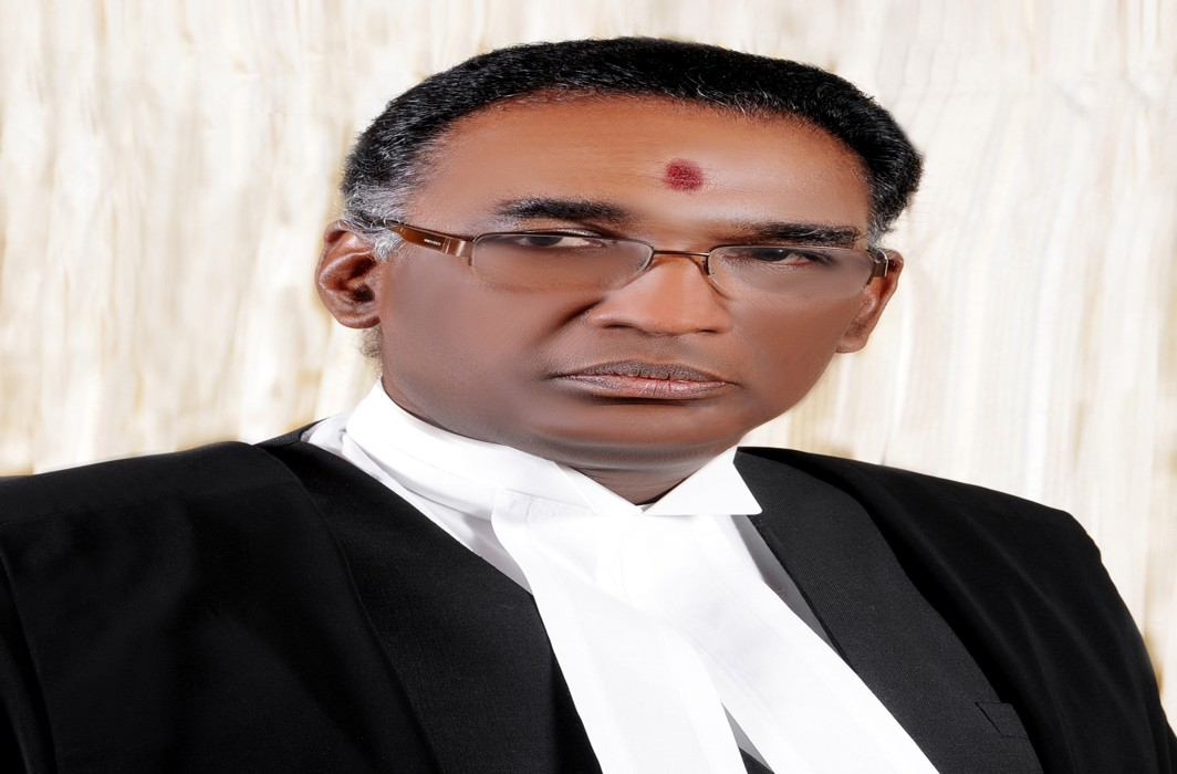 Justice Chelameswar writes to CJI; on govt interference in appointment of judges!!