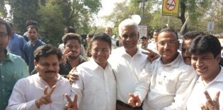 Elated AAP MLAs after Delhi HC handed out the verdict/Photo: Anil Shakya