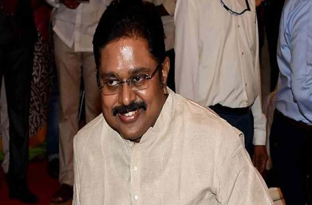 Supreme Court temporarily suspends TTV Dhinakaran's party symbol
