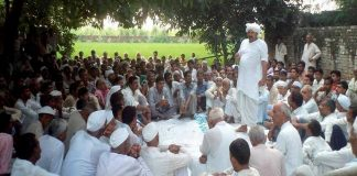 A khap panchayat in progress. The apex court has disapproved of their conduct/Photo Courtesy: ddnews.gov.in