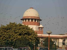 Debarment from appearing in DU law exams: SC tells petitioners to approach Delhi HC first
