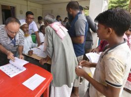 We'll do what's right; those excluded must be given a fair chance to prove claims: SC on NRC draft