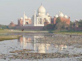 Taj Mahal Monumental Decay!