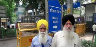 Tejinderpal Singh (far left) and Satnam Singh have been acquitted