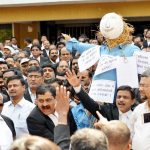 Lawyers on Strike: Law unto Themselves