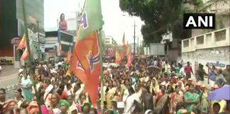 Women devotees and right wing protestors clash over Sabarimala Temple