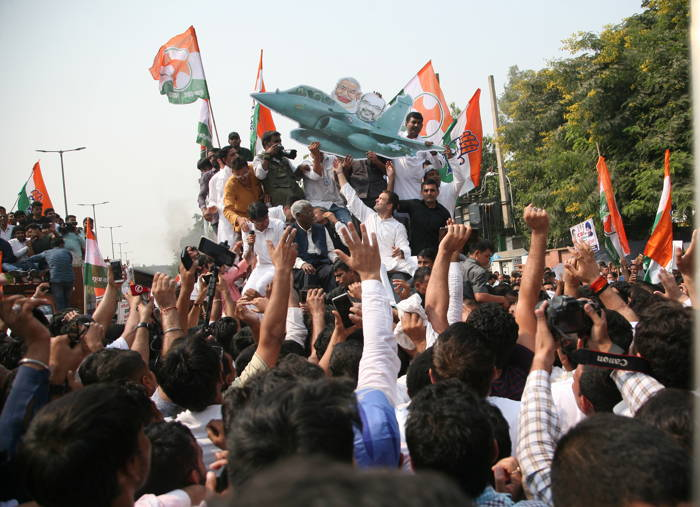 Rahul Gandhi leading a protest against the centre's decision/Photo: Anil Shakya