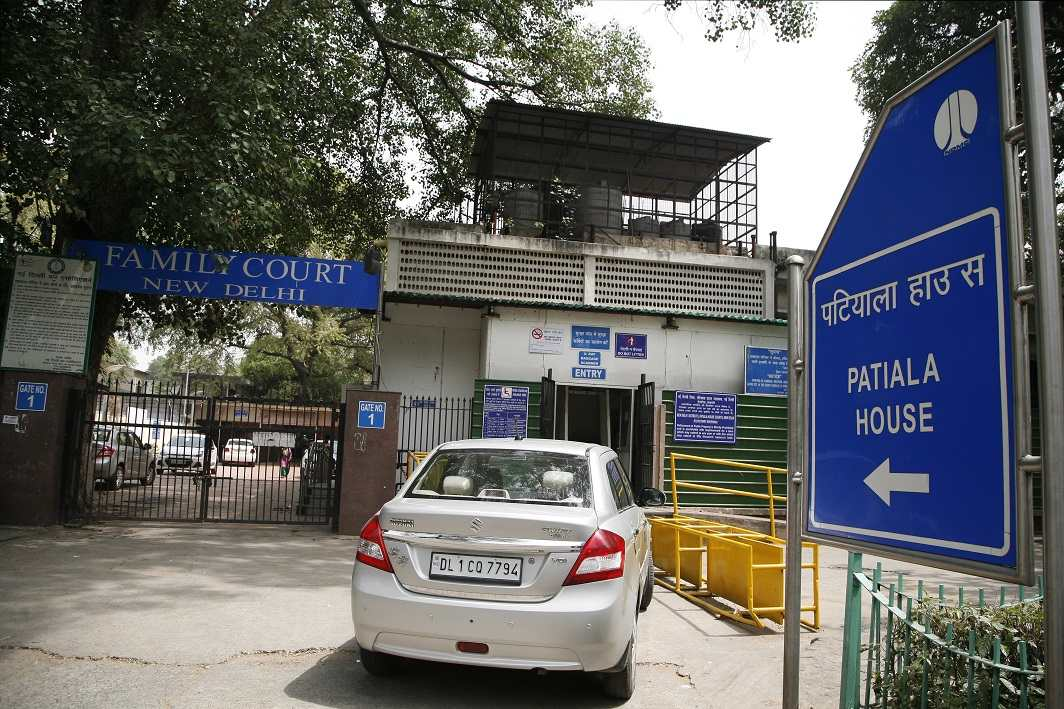 CBI vs CBI: DSP Devender Kumar and middleman Manoj Prasad sent to 14 days' judicial custody - India Legal