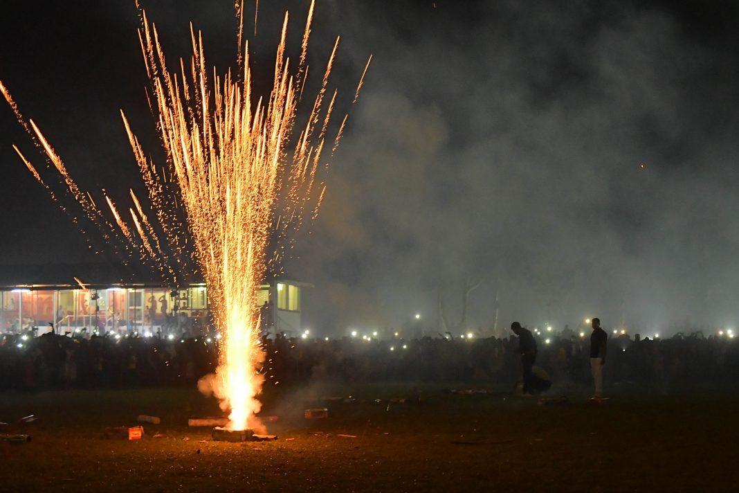 Smoke emanating from a firecracker burst/Photo: UNI