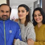 Jagdeep Singh with his daughter Gauri Sheoran (centre)/Photo: twitter