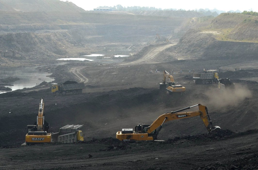 Miners work at Magadh coal mine in Chatra district in Jharkhand (file pic)/Photo: UNI