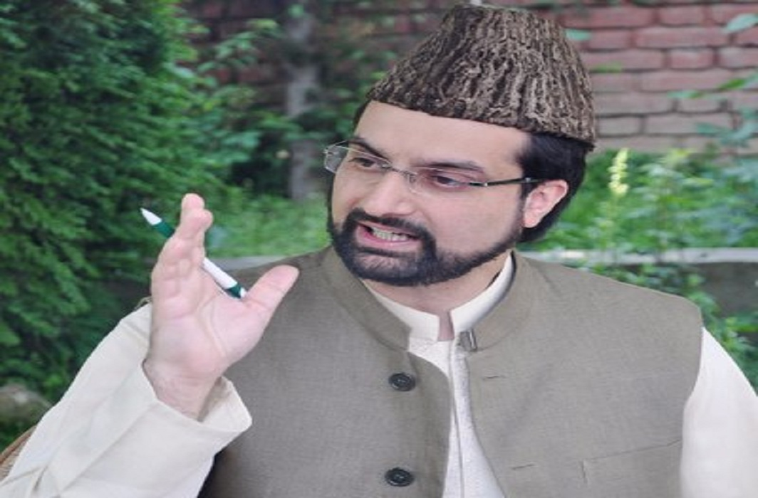 Mirwaiz Umar Farooq Appears Before NIA in Terror Funding Probe