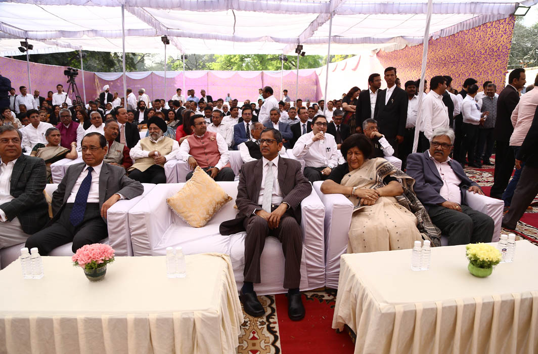 (From left) CJI Ranjan Gogoi and Justice NV Ramana, Justice Indira Banerjee, Justice KM Joseph of the Supreme Court along with other members of the distinguished gathering at the final round