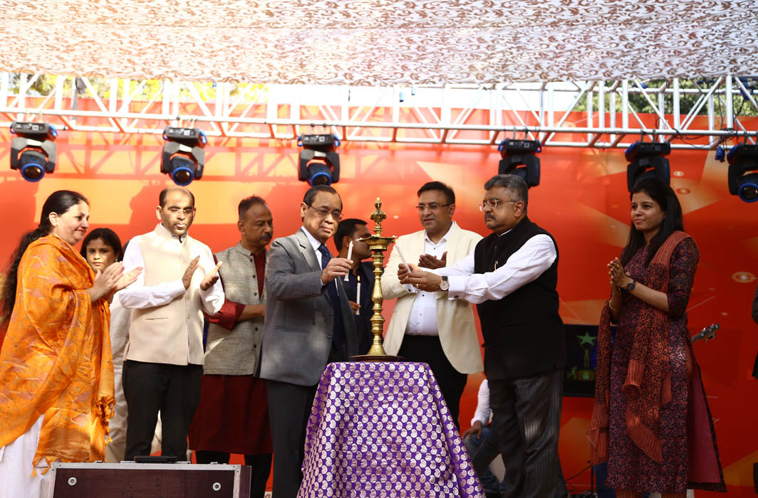 CJI Ranjan Gogoi lighting the inaugural lamp of the final round of the SCBA talent hunt show held at the Supreme Court in the presence of Chairman, Cultural Committee, SCBA, Pradeep Rai (third from right), and Solicitor General Tushar Mehta (second from right)