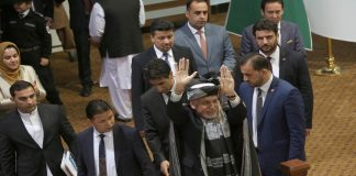 President Mohammad Ashraf Ghani (waving) at the consultative loya jirga in Kabul/Photo: UNI