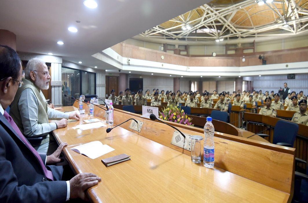 Prime Minister, Narendra Modi interacting with the IPS Officer Trainees of 2016 batch, in New Delhi on November 8, 2017/Photo: ddnews.gov.in