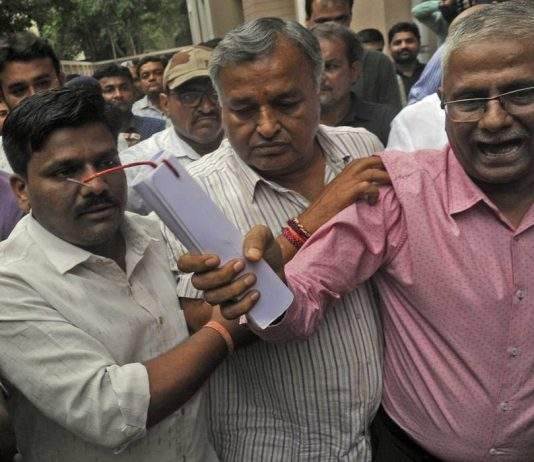 Former BJP MP Dinu Bogha Solanki (centre) was one of the prime accused in the case/Photo: UNI