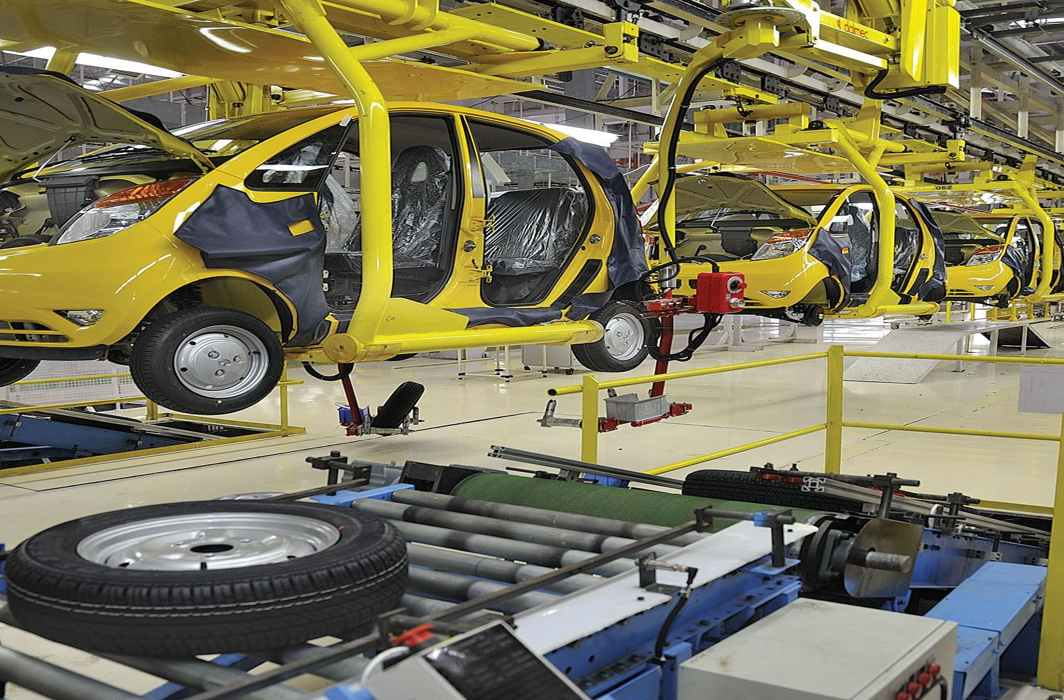 Automobile sales have dropped by almost 35 percent from the previous year/Photo: eresearchnmarkets.com