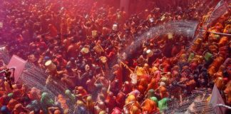 "COLOUR SHOWER: Hindu devotees take part in ""Huranga"", a game played between men and women a day after Holi, at Dauji temple near the northern city of Mathura, Reuters/UNI"