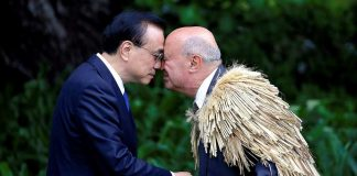 GOOD MORNING: Chinese Premier Li Keqiang receives a hongi, a traditional New Zealand Maori welcome, from Piri Sciascia during an official welcoming ceremony at Government House in Wellington, New Zealand, Reuters/UNI