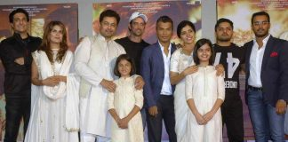 PLAYING MENTOR: Bollywood actor Hrithik Roshan with Marathi actors Sonali Khare and Subodh Bhave and Mukta Barve and others during the trailer launch of upcoming Marathi film Hrudayantar, in Mumbai, UNI