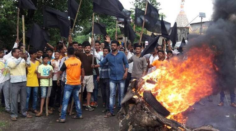 Maharashtra Farmers protest against land acquisition