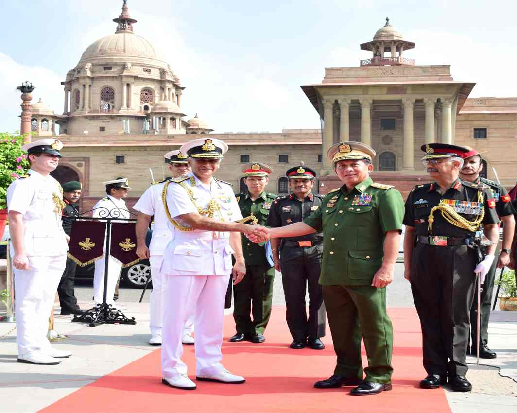 WELL MET: Senior General Min Aung Hlaing, Commander in Chief of Defence Services (CDS) of Republic of Union of Myanmar, is received by Chief of the Naval staff Admiral Sunil Lanba on arrival at South Block prior to their meeting, in New Delhi, UNI
