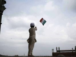 The last kite fighters of India